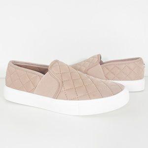 Steve Madden Endell Blush Slip-On Sneaker Size 6.5